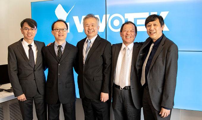 : Novo vodstvo Vivoteka (zdesna nalijevo): Gordon Chen, Alex Liao, Owen Chen, Bill Lo, and William Ku
